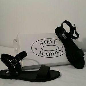 ☆Steve Madden Sandals☆